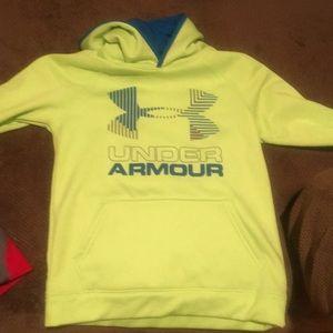 Under armour youth medium sweatshirt